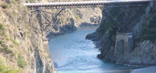 Bridge to Hammer Springs